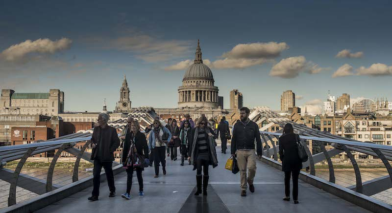 St Paul's Cathedral during rush hour. 10 interesting facts in a quiz about London