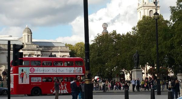 Afternoon Tea Bus Tour in Trafalgar Square